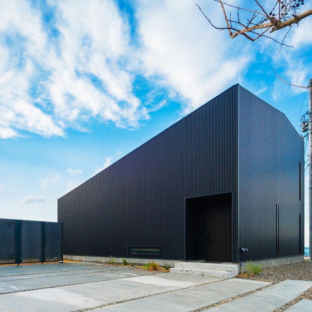 ガルバリウム外壁・屋根の家例5